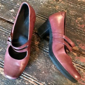CLARKS Brown Leather Mary Jane Heels Size 8W